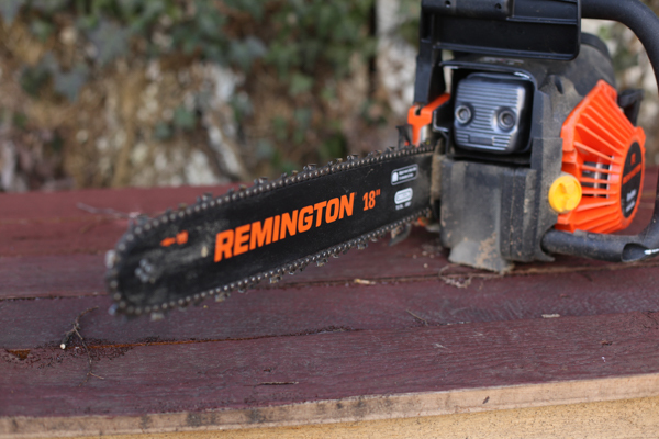 Q do you really need a chain saw a absolutely heres why man get yourself a chainsaw keyboard keysfo Images