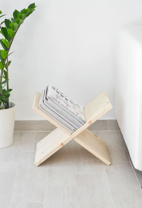 If Your Taste Leans Towards The Warm Rustic And Stylish Check Out This Super Simple X Shaped Magazine Book Rack