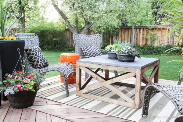 Make This: DIY Outdoor Coffee Table