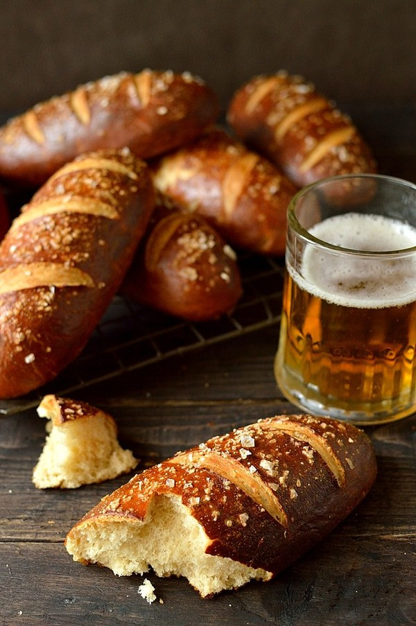 Beer-pretzel-hot-dog-buns_large