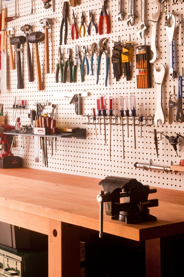 How to make the ultimate workbench for your basement or for Free basement design tool