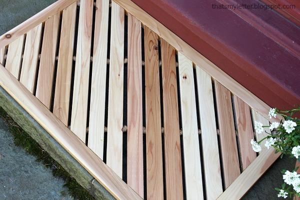 Diagonal Wooden Mat