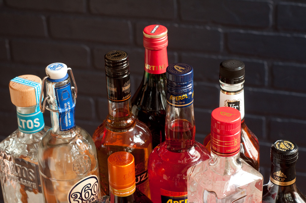 How to Stock Your Home Bar on the Cheap (Yes, We're Naming Bottles ...
