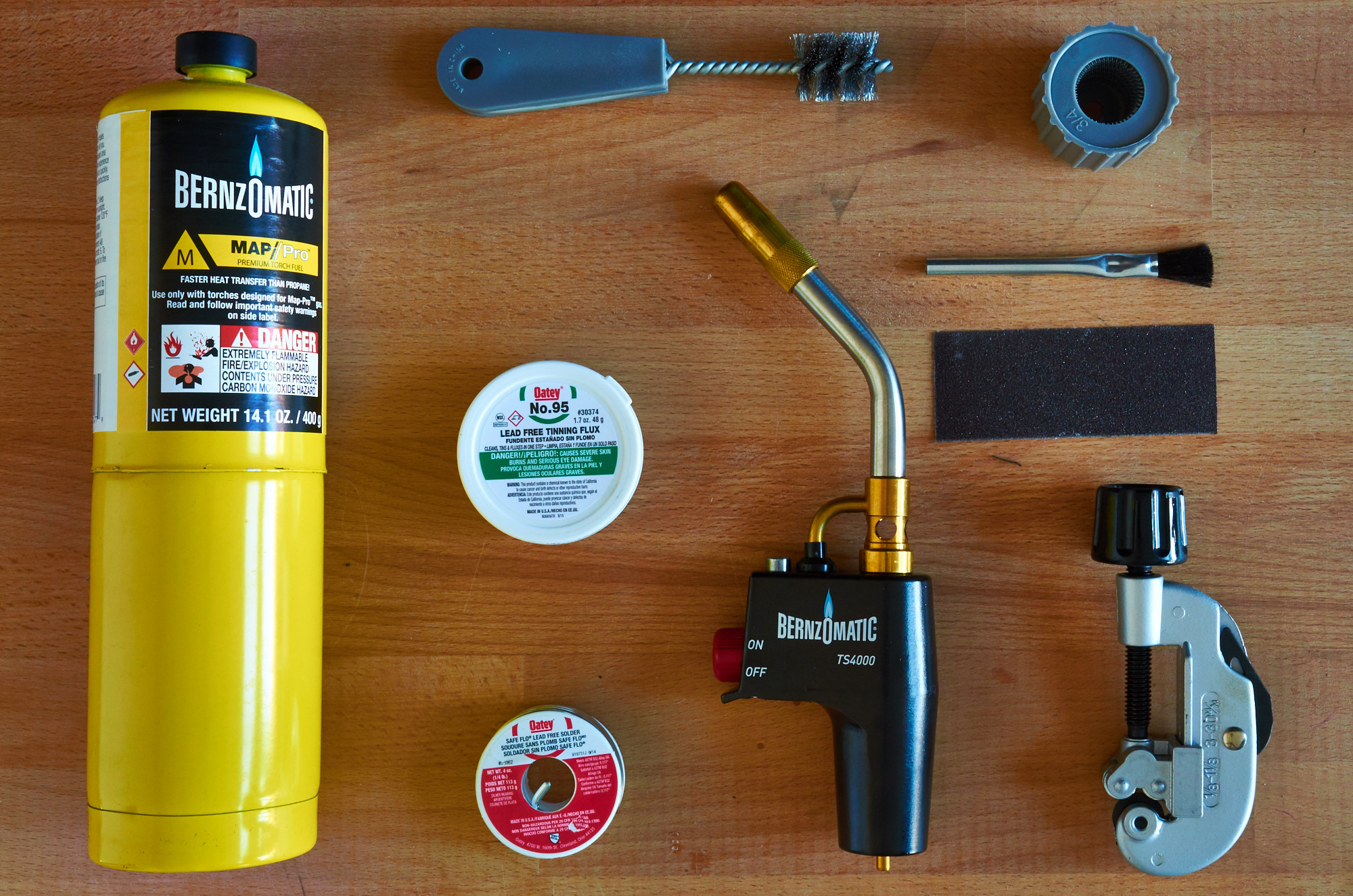 How to solder copper pipe safely