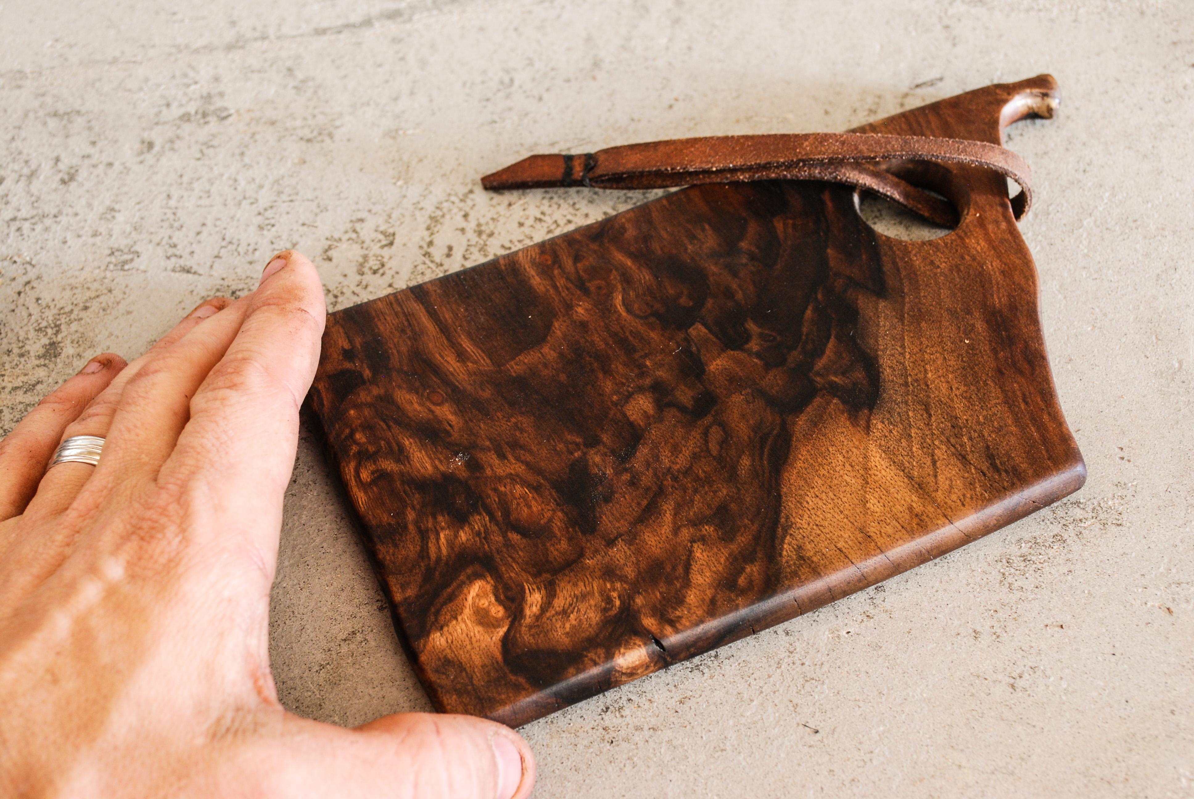 Small Walnut cutting board  - how to make one