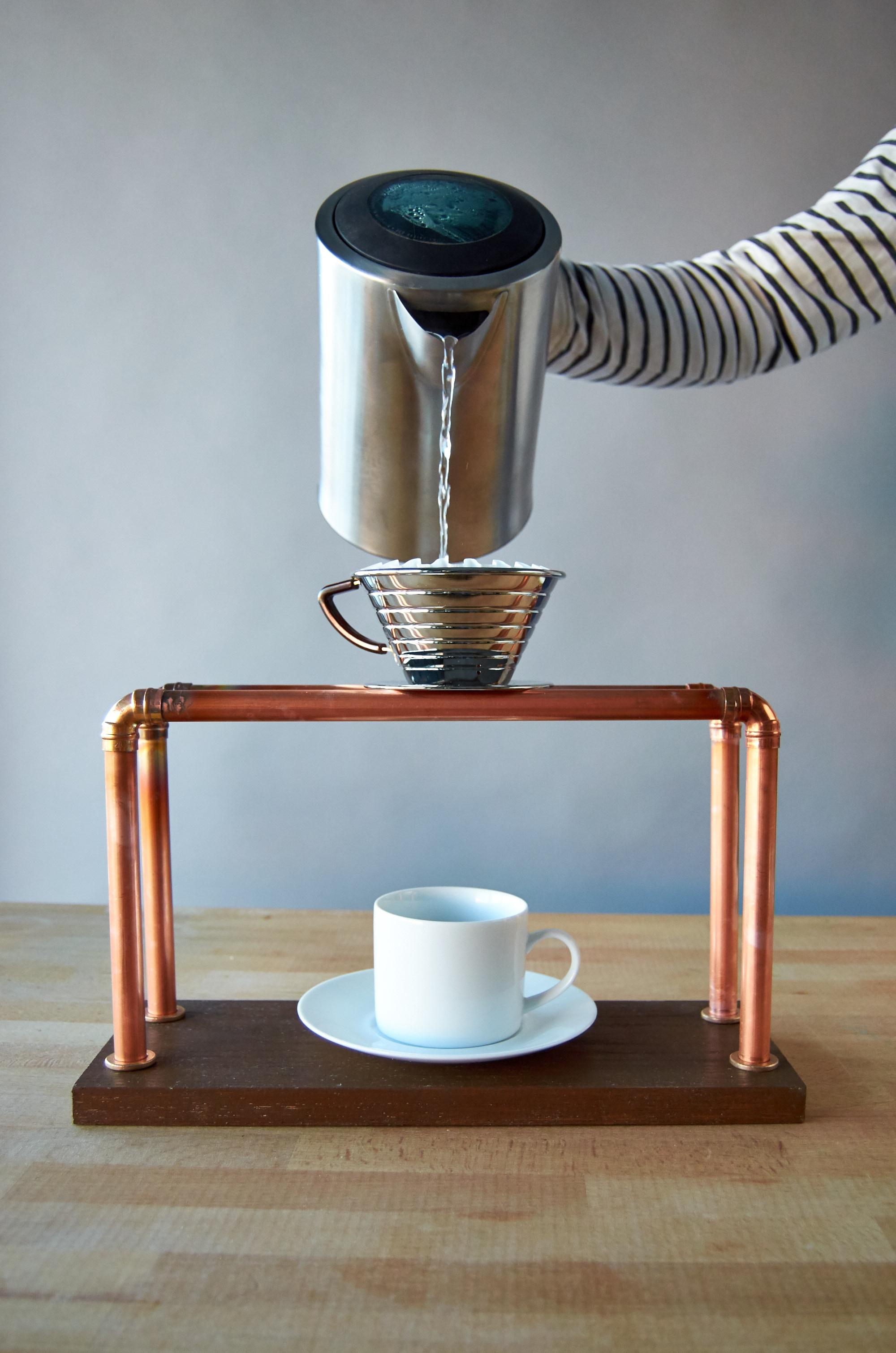 Http%3a%2f%2fassets.manmadediy.com%2fphotos%2f30284%2fpour over coffee stand 3510original