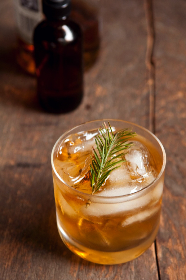 Diy pine syrup cocktail largeoriginal