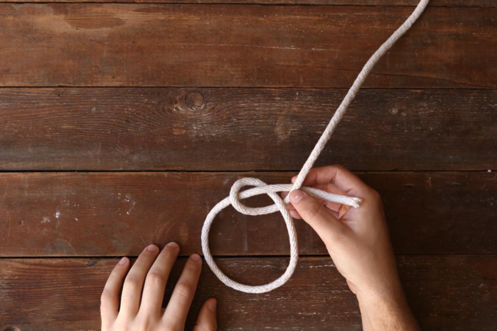 Bowline knot step five