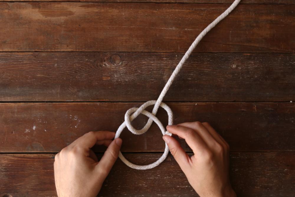 Bowline knot step six