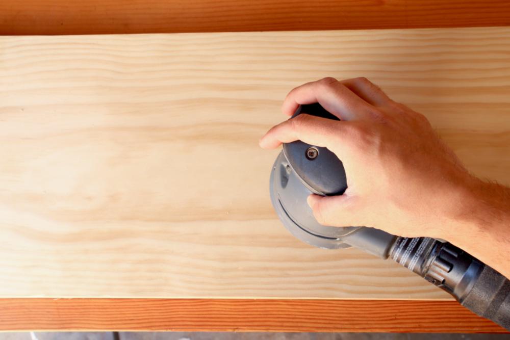 sanding wood using a random orbital sander