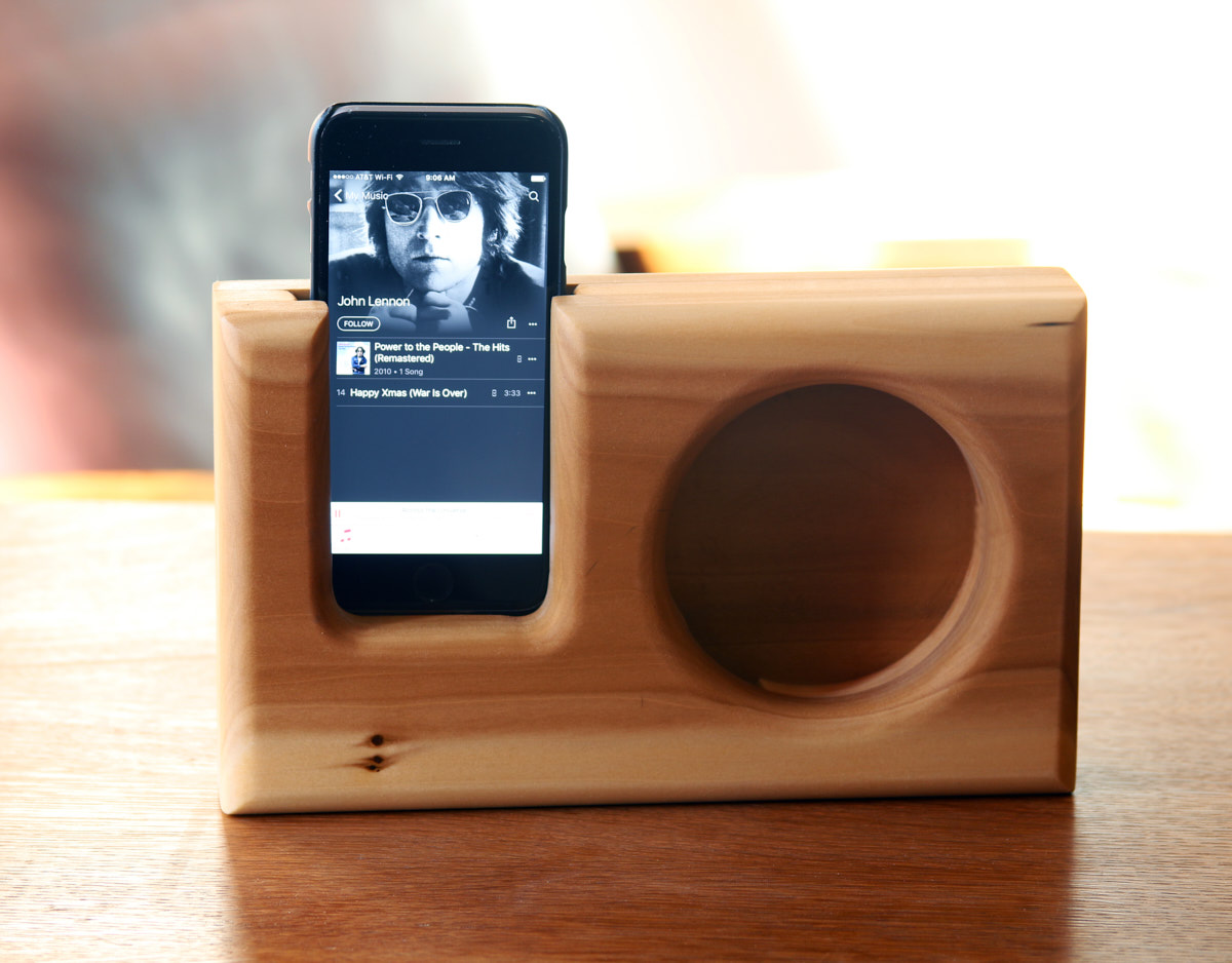 How to: Make a Simple Wooden Smartphone Speaker