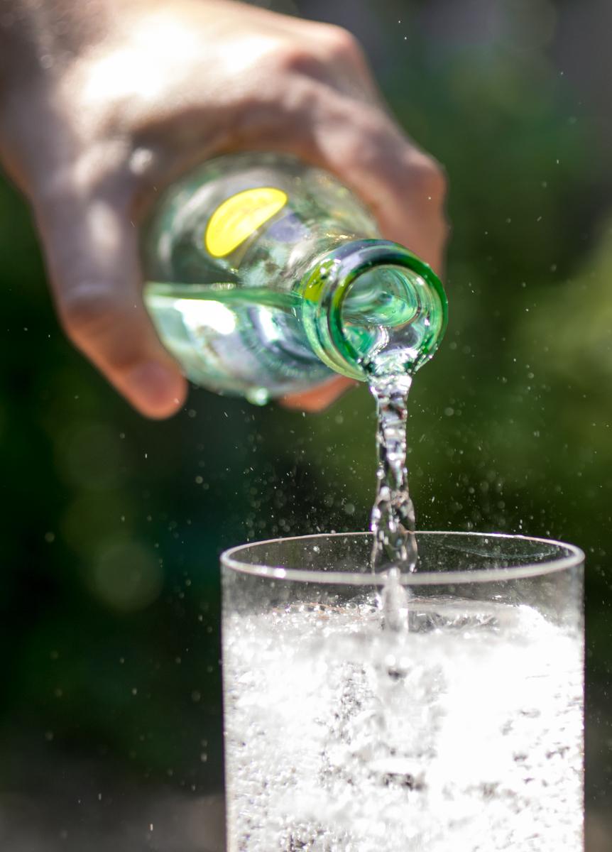 Https%3a%2f%2fassets.manmadediy.com%2fphotos%2f33344%2fbest sparkling water topo chico 1original