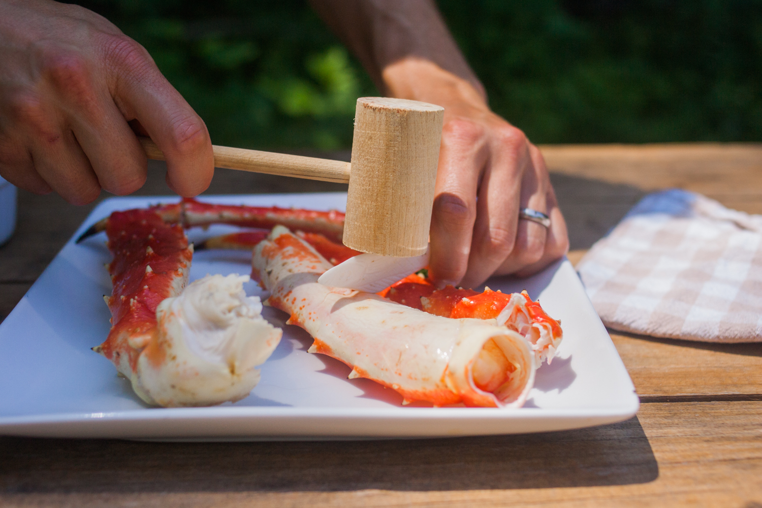 A Beginner's Guide to Alaskan King Crab (Yes, You Want to Eat This