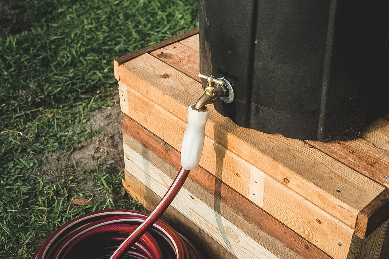 How to: Make an Inexpensive DIY Rain Barrel   Man Made DIY