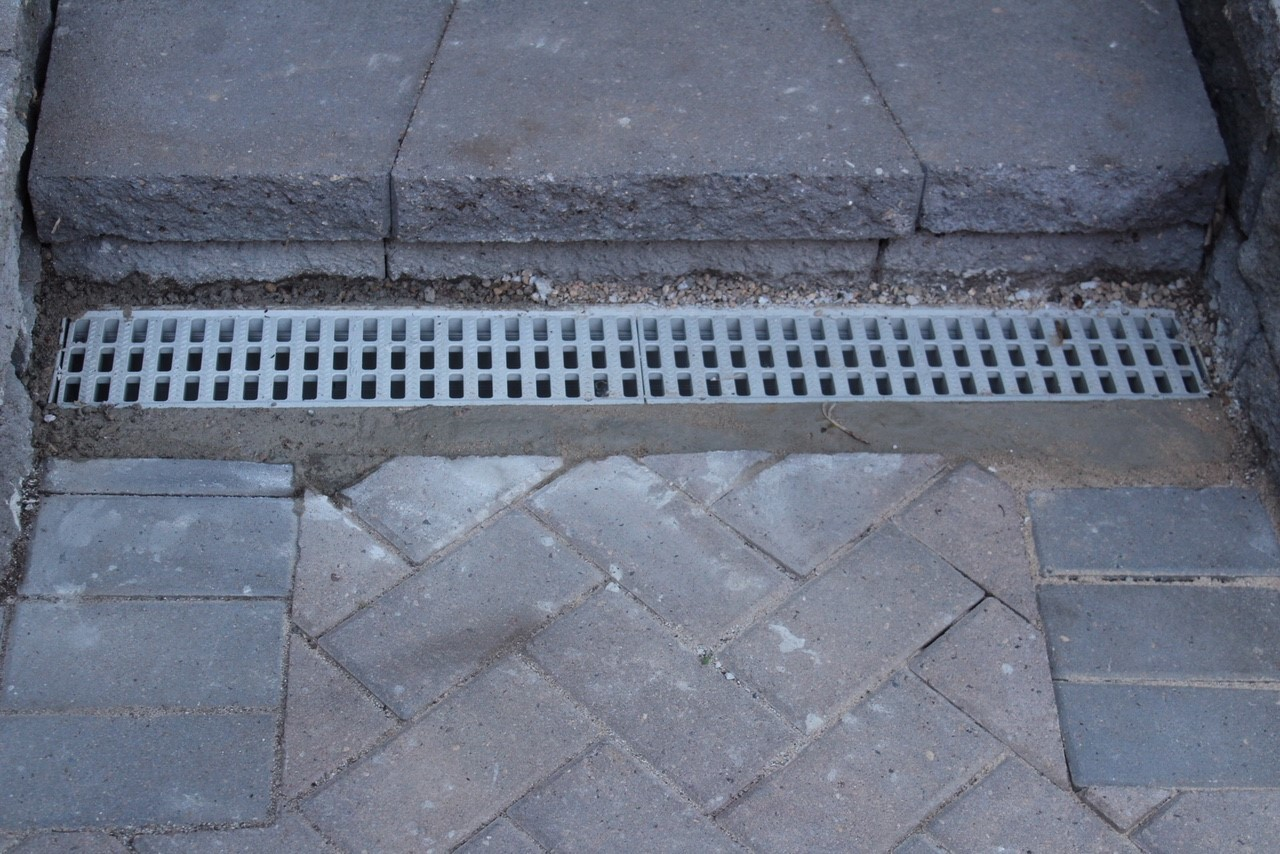 channel drain set with concrete drying