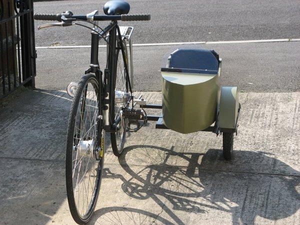 http://www.steves-workshop.co.uk/vehicles/sidecar/sidecarbuild/complete1_large.jpg