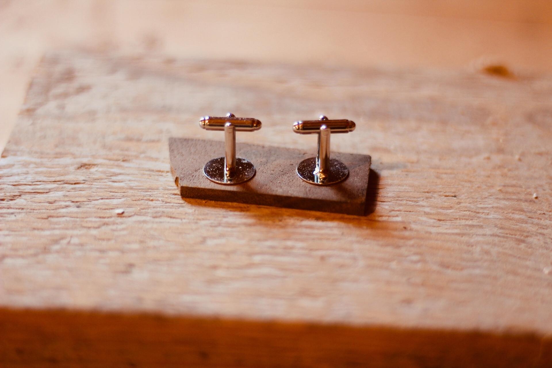 wooden custom cufflinks - step 1