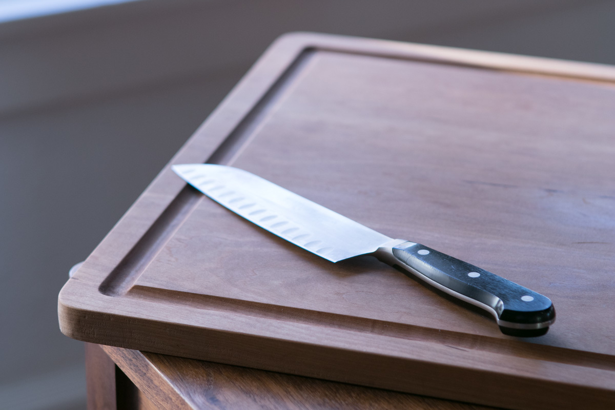 diy cutting board wife dripping groove and knife